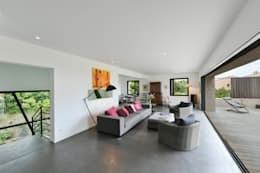 Ruang Keluarga by Atelier Jean GOUZY