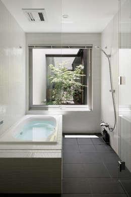 Baños de estilo moderno por atelier137 ARCHITECTURAL DESIGN OFFICE
