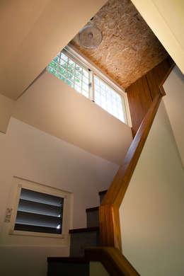 改造眷村老屋:  玄關、走廊與階梯 by 史賓宅安-Springzion