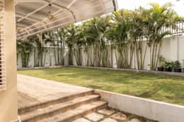 Rishi Villa - Pune: modern Garden by Aesthetica