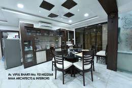 M.M Mehta Ji : modern Dining room by MAA ARCHITECTS & INTERIOR DESIGNERS