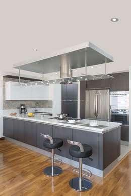 Cocina Armony - Proyecto Terminado Atelier Casa: Cocinas de estilo moderno por ATELIER CASA S.A.S