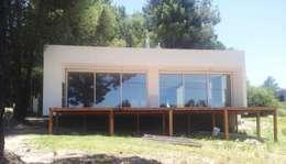 CASA L - VILLA VENTANA - COMARCA TURÍSTICA SIERRA DE LA VENTANA - PROVINCIA DE BUENOS AIRES: Casas de estilo moderno por MSA ESTUDIO DE ARQUITECTURA