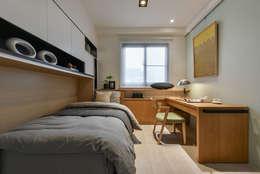 書房 床架放下:  書房/辦公室 by 存果空間設計有限公司