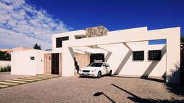 Casa A: Casas de estilo mediterraneo por Carvallo & Asociados Arquitectos