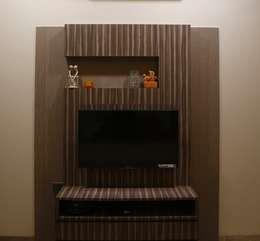 Singh Bunglow - Kalyan: modern Media room by Aesthetica