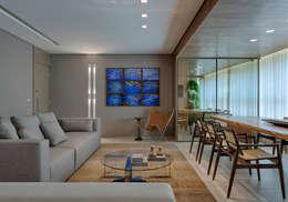 modern Living room by Escritório Fabíola Constantino