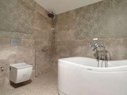 MİMPERA – Üst Kat Banyo: klasik tarz tarz Banyo