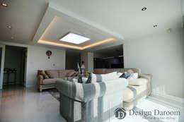 광장동 현대홈타운: Design Daroom 디자인다룸의  거실