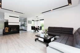 minimalistische Wohnzimmer von in2home