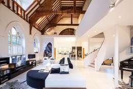 Salas de estilo moderno por Gianna Camilotti Ltd.