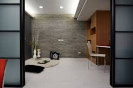 modern Bedroom by 弘悅國際室內裝修有限公司