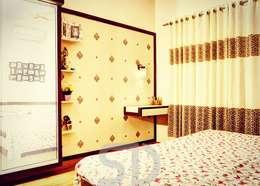 minimalistic Bedroom by SUMEDHRUVI DESIGN STUDIO