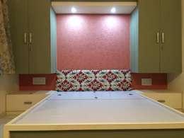 BARDOLI , SURAT , GUJARAT.: modern Bedroom by SHUBHAM CONSULTANT & INTERIOR DESIGNING