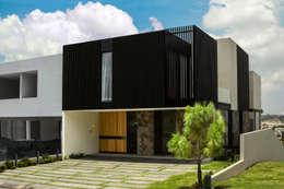 Fachada Principal: Casas de estilo moderno por deFORMA estudio creativo