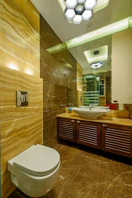 Parents Toilet: modern Bathroom by Dzign thoughts
