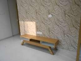 GAUTAMBHAI JAHANGIRPURA: modern Living room by SHUBHAM CONSULTANT & INTERIOR DESIGNING