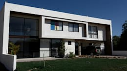 CASA-BR: Casas de estilo moderno por RIVERA ARQUITECTOS