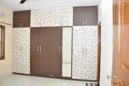 Wooden Cupboard Online Shopping: asian Bedroom by Scale Inch Pvt. Ltd.