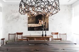 Uma casa dedicada à arte: Salas de jantar ecléticas por Architect Your Home