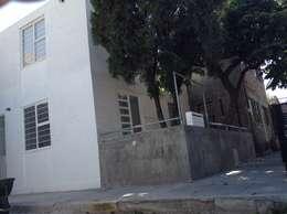 Casa rosa: Casas de estilo minimalista por Arquitectura Para Todos