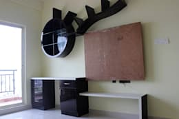 Computer Table Online India: asian Study/office by Scale Inch Pvt. Ltd.