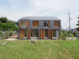 桜ヶ丘の住宅: 有田佳生建築設計事務所が手掛けたです。