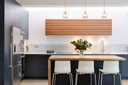 Vicarage Rd London SW14: modern Kitchen by VCDesign Architectural Services