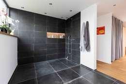 Ванные комнаты в . Автор – pickartzarchitektur