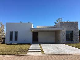 Casas de estilo moderno por Estudio Victoria Suriguez