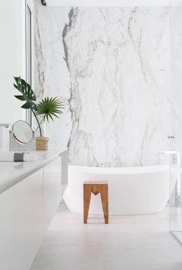 Ванные комнаты в . Автор – Tendenza -  Interiors & Architecture Studio