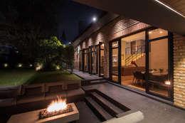 Casa AR: Casas de estilo moderno por ARCO Arquitectura Contemporánea
