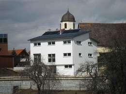 Neubau eines EFH als Sonnenhaus   JMM: moderne Häuser von a r c h i t e k t u r b ü r o grimm