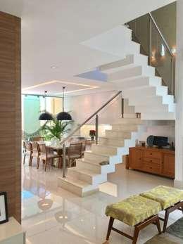 Comedores de estilo moderno por Collevatti Arquitetura