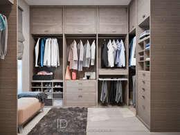 Гардеробная в двухэтажном доме в стиле лофт: Гардеробные в . Автор – Студия дизайна Interior Design IDEAS