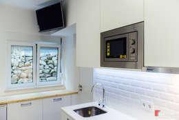 مطبخ تنفيذ NOVACOBE - Construção e Reabilitação, Lda.