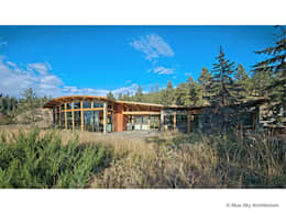 Exterior View: modern Houses by Helliwell + Smith • Blue Sky Architecture