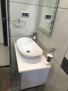Luxury Interior Design  3 BHK Flat: minimalistic Bathroom by Nabh Design & Associates