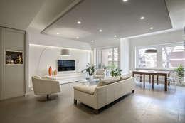 Salas / recibidores de estilo moderno por studioQ