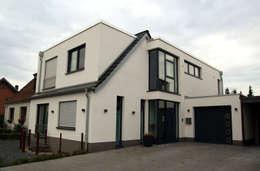 Casas de estilo moderno por 2kn architekt + landschaftsarchitekt Thorsten Kasel + Sven Marcus Neu PartSchG