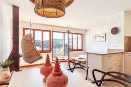 Salas de estilo mediterráneo por Markham Stagers