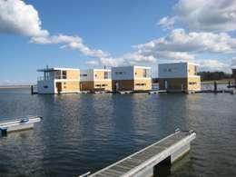 floating architecture - WKH 100: moderne Häuser von büro13 architekten