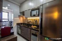 Cocinas de estilo  por Camarina Studio