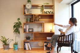 猫家具ニャンド NYAND SHELF - CAVE: &lodge inc. / 株式会社アンドロッジが手掛けたリビングルームです。