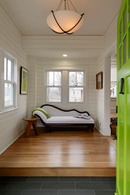 Stylish First-Floor Bungalow Renovation in Arlington, VA :  Corridor & hallway by BOWA - Design Build Experts