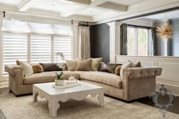 Dash of Gold: modern Living room by Kellie Burke Interiors