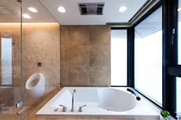 Phòng tắm by 汎羽空間設計