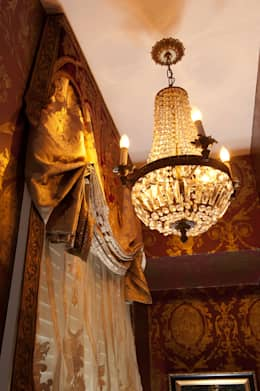 Living Room Light Fixture: classic Living room by Kellie Burke Interiors