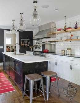 Kitchen: industrial Kitchen by Kellie Burke Interiors