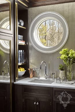 Butler's Pantry: classic Kitchen by Kellie Burke Interiors